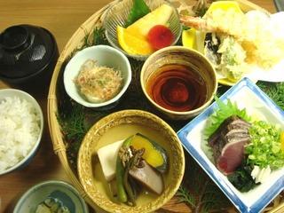 【ネット限定】 【格安】 和室 (2食付) ご夕食ゆの森弁当DX 1泊2食付き