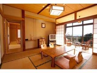 海を望む10畳+8畳と広縁付き二間続き客室(2F)