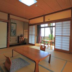 海を望む和室10畳と広縁付き(1階)
