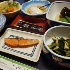 【朝食付】ホッと和む朝ごはんの時間はお部屋食でのんびり
