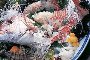 【発見★南あわじ】【淡路島の定番!】鳴門鯛の活き造り+宝楽焼コース