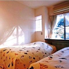 寝室とリビングが2部屋続きの洋室タイプ【2階禁煙ペット可】