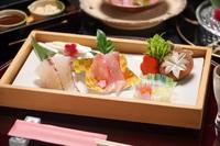 【鯛食べ比べ!】駿河湾産金目鯛&愛媛産真鯛のしゃぶしゃぶ食べ比べ会席≪1泊2食付き≫