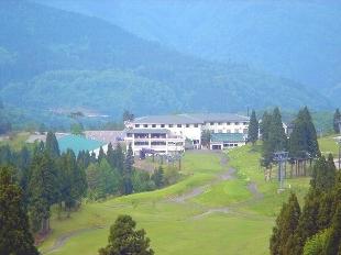 白山連峰の絶景 パノラマゴルフ宿泊パック洋室(バストイレ付)1泊3食付 (宿泊の翌日プレー)
