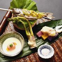 【8月限定】≪料理長の旬一皿≫木の芽味噌香る姫鱒と三色の新じゃがを食べ比べ/夕食20,000円コース