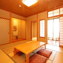 見晴らしゆったり和室(10畳+4.5畳)【バス・トイレ付】