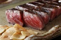 【創業81年目】ステーキに魅了される?!A5ランクの鉄板焼き黒毛和牛ステーキコース