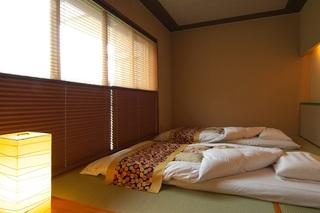 和ベッドのモダン和室で大切な人と過ごす至福の休日…