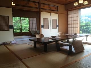 貴賓室(17.5畳+次の間+洋室+源泉檜風呂)