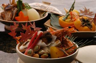 【お部屋食】【お食事は夕食のみ】本格懐石料理を愉しみ 朝はゆっくり寛ぐ至福の休日