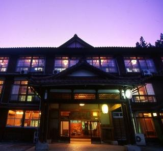 松之山温泉×趣ある純和風客室で寛ぎの休日<スタンダードプラン>【2食付】