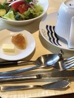 朝食付  玉子料理に軽井沢ウインナー地域自慢のパンを紹介。(夜食:おにぎりも注文可)