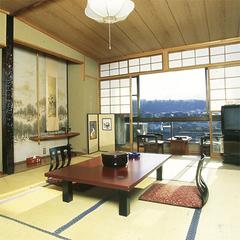 【眺望確約】三隅川を望む和室