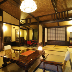 <部屋食・新館特別室>中庭を望む和室12.5帖+4.5帖