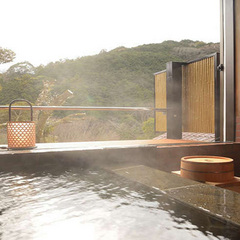 和室8〜10畳 半露天風呂付(渓流側)