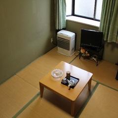 くつろぎ和室(喫煙可)【館内で無料Wi-Fi使えます】