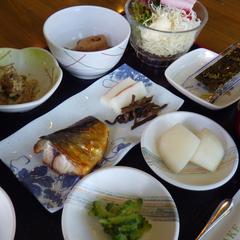 【朝食付】富山産コシヒカリ使用の和朝食で1日の元気をチャージ♪