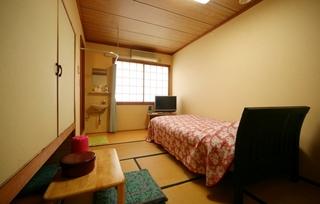 ☆素泊まりプラン バス、トイレ付 (1〜3人様)インターネット可 冷蔵庫有り☆ 充実!