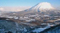 【冬春旅セール】≪スキーシーズン/2020-21冬/1泊≫ニセコでコテージ貸切(素泊り)