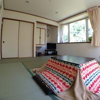 和室:広々10畳★4名までOKの洋風畳の部屋☆ウォシュレット