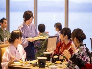 【冬ダイニング お勧めコース】 磯はなび特製の鰤大根と蟹鍋付き会席料理に食べ放題がプラス♪