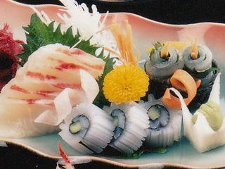 ★★柳港直送 地魚づくし+伊勢海老の造り+鮑おどり焼き【個室食】