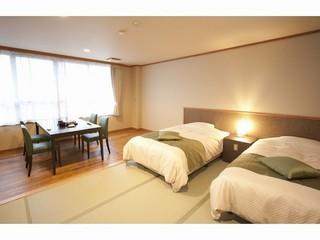 【禁煙】2ベットの和室10畳+広縁 (トイレ付)