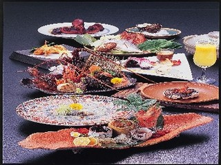 【カード専用】高級食材を使用した料理を2品追加!贅沢なグルメ旅☆『海鮮グルメ会席』