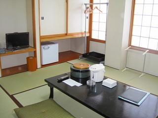 和室8〜10帖 :ウォシュレットトイレ付き