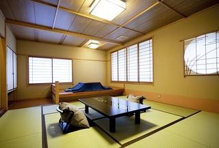 【禁煙室】人気No1☆3階角部屋♪暖かい掘り炬燵付和室10畳