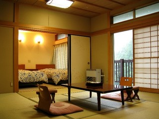 【2食付】和洋室の広々お部屋でゆったりプラン(お飲物付)