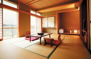 和室(12畳、バス・トイレ付)
