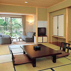 【2階】和室10+6畳(トイレ付き・バスなし)