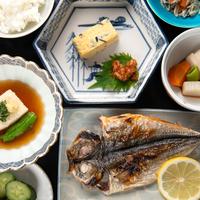 <朝食付>最終チェックイン「21:00」で、ゆっくり鎌倉観光♪○風味豊かな和定食を味わう、鎌倉の朝餉