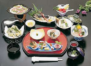 【朝食なし】1泊夕食付きプラン 〜地元でとれた食材・郷土料理〜