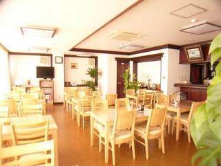 【朝食付】コンビニまで徒歩約2分で立地抜群★市街の各方面へアクセス良好!朝ご飯は本館の喫茶室で