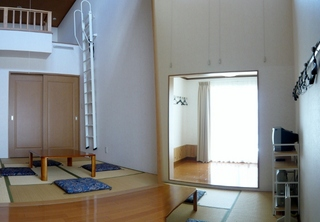 ロフト付き和室