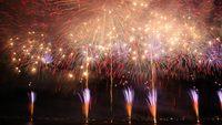 ◎8月15日 諏訪湖祭湖上花火大会【一泊二食+桟敷自由席券付き】
