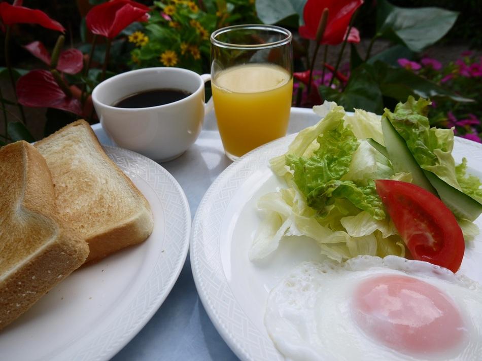 【喫煙】楽天DEサンキュー★トースト・ご飯・お味噌汁・卵・サラダの無料朝食付き【現金特価】