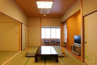 信楽焼き陶器風呂(内湯)付き客室2F