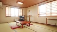 和室10畳(バス・トイレ・ミニキッチン付)