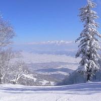 【お先でスノ。】あったか温泉deスキー旅◇富良野スキー場1日リフト券付宿泊プラン◇1泊2食付