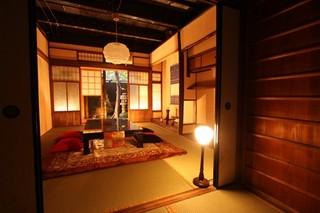 カップルプラン【朝食付き】京都の文化、仕出し料理屋さんが町家まで朝食を配達して頂けます。