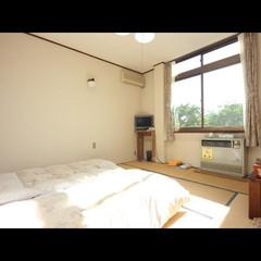 緑が安らぐ、明るい畳のお部屋8畳