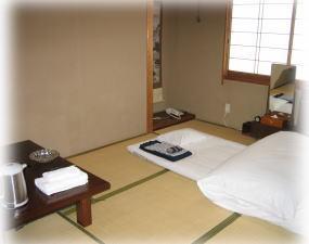 和室6畳(バス・トイレ共同)◇羽毛布団◇館内浴場使用現金特価