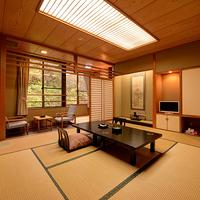 ●高龍館3〜5階●和室10畳+2畳(バス・トイレ付)