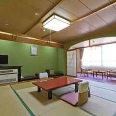 温泉付き客室・新館(和室12.5畳・専用風呂/トイレあり)