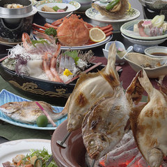 """日本海を""""食す""""〜蟹まるごと1杯付きコース〜料理は約10品でボリューム満点!"""