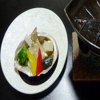 アワビのバター焼き+蟹が切れてて食べやすい1杯分付♪料理は約10品でボリューム満点!