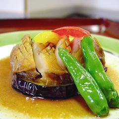 特製アワビステーキ+蟹まるごと1杯付コース♪料理は約10品でボリューム満点!